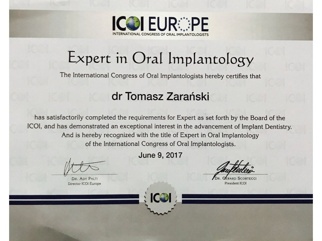 Expert in Oral Implantology 01